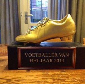 Voetbal trofee surprise